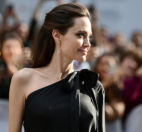 Джоли призналась, почему рассталась сПиттом
