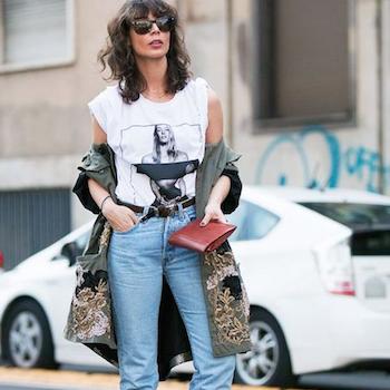 Джинсы и белая футболка: 5 вариантов street style