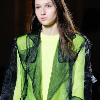 Неделя моды в Париже: неон и лаковая кожа от Balmain