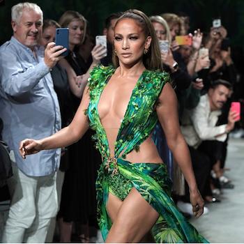 Шоу Versace: Дженнифер Лопес надела платье-легенду!