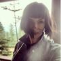 Надежда Мейхер без сожалений рассталась с длинными локонами ради модной прически. Фото