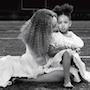 Бейонсе поделилась редчайшими снимками из засекреченного семейного архива. Фото